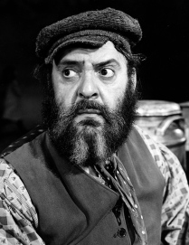 """Zero Mostel as Tevye in the 1964 production of """"Fiddler on the Roof"""" (public domain photo)"""